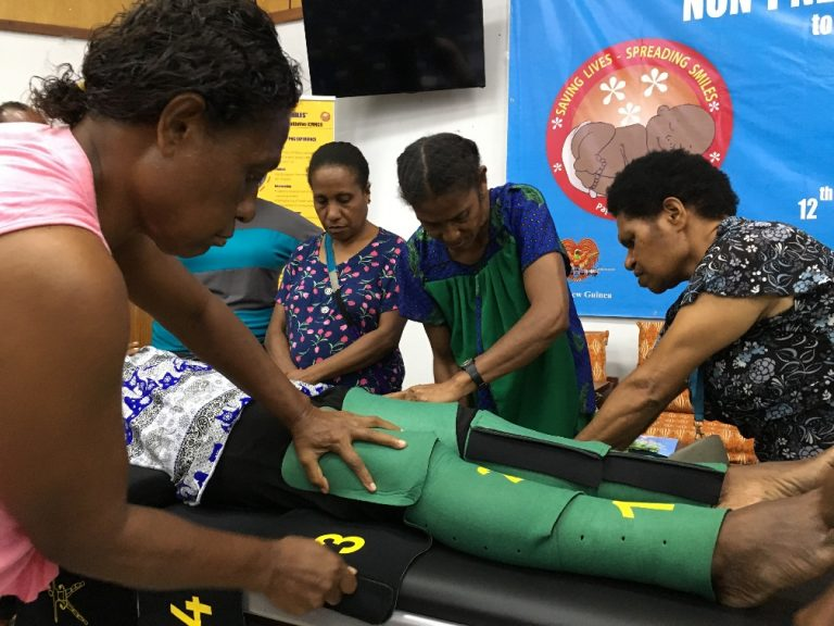 Midwives and community health care workers learn to use NASG in a UNICEF-led training in Papua New Guinea